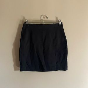 Dynamite fitted mid thigh black skirt